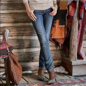 Driftwood Audrey Classic Fit Straight Leg Jeans